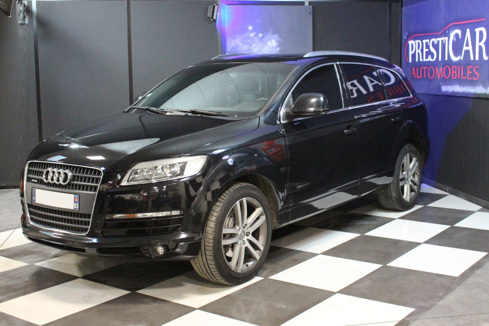 audi q7 3 0 v6 tdi 240 avus 7 places presticar automobiles. Black Bedroom Furniture Sets. Home Design Ideas
